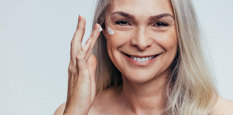 Comment choisir le bon soin anti-âge adapté à sa peau ?