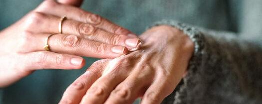 Sécheresse du corps : comment soigner une peau très sèche ?