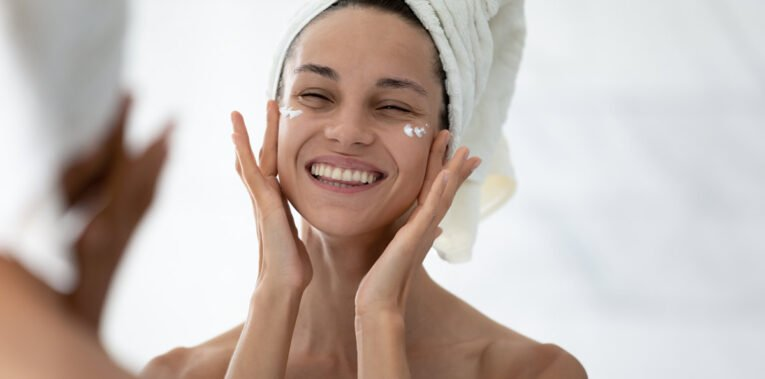Quelle routine adopter pour bien hydrater sa peau ?